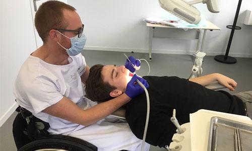 A Toulouse, un cabinet dentaire adapté redonne le sourire