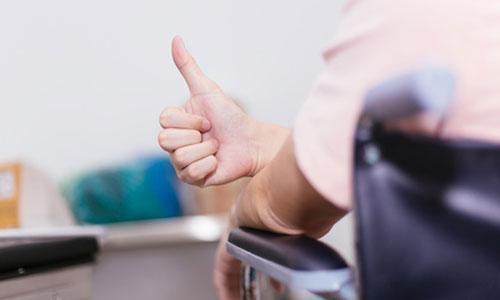 Accès aux aides techniques : du mieux pour les usagers?
