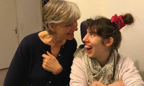 Aidant polyhandicap : maman solo, un cancer et peu d'aide?