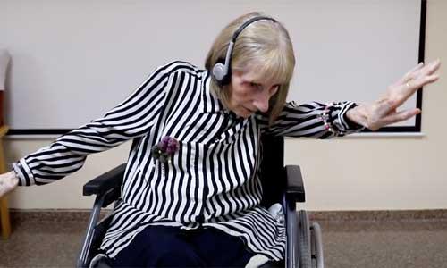 Alzheimer : une ex-ballerine redanse le lac des Cygnes