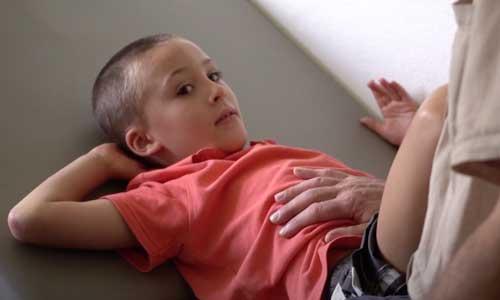 Autisme : troubles du comportement provoqués par la douleur?