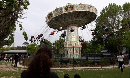 Autiste, privée de manège : les parcs d'attraction convoqués