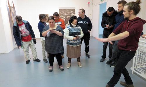 Handicap mental : ces artistes séduisent leur quartier