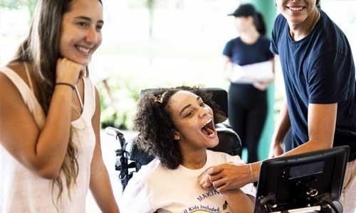 Handicap de communication : comment financer une aide?