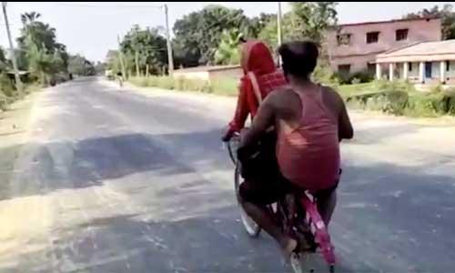 Inde : elle parcourt 1 200 km à vélo avec son père handicapé