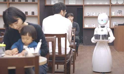 Japon : robot-serveur piloté par des personnes handicapées