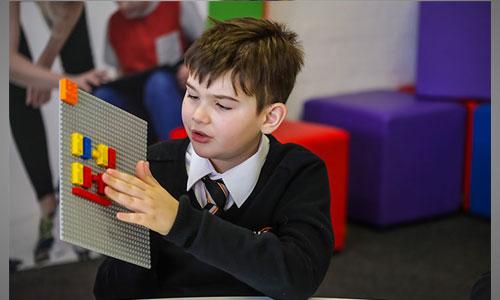LEGO lance une gamme inclusive : des briques en braille !
