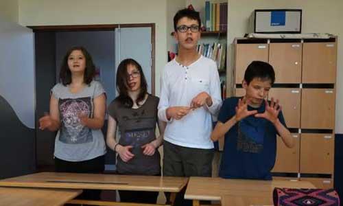 Les enfants d'un IEM signent un clip émouvant