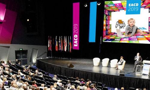 Paris: la plus grande conférence sur le handicap de l'enfant