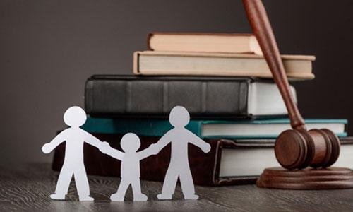 Privés d'AESH, ces parents saisissent la justice