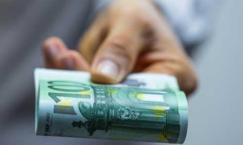 Salariés à domicile: indemnité exceptionnelle versée en juin
