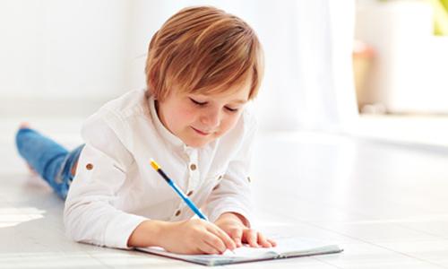 Scolarité : la lettre poignante d'un enfant autiste à Macron