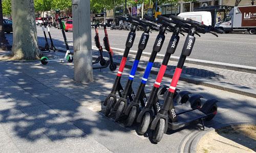 Trottinettes  électriques : éjectées des trottoirs parisiens